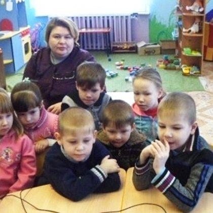 В детском саду показываю видеоролик детям